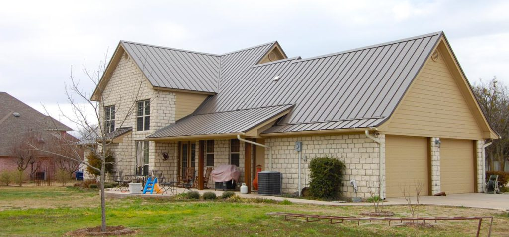 Using A Professional Roofing Company For Home Roofing