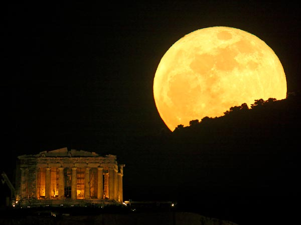 Super Moon Is Closer To Earth Like Never Before