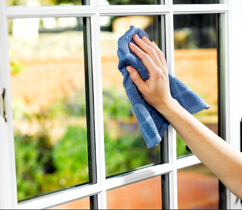 4 Tips To Clean The Office Windows Properly