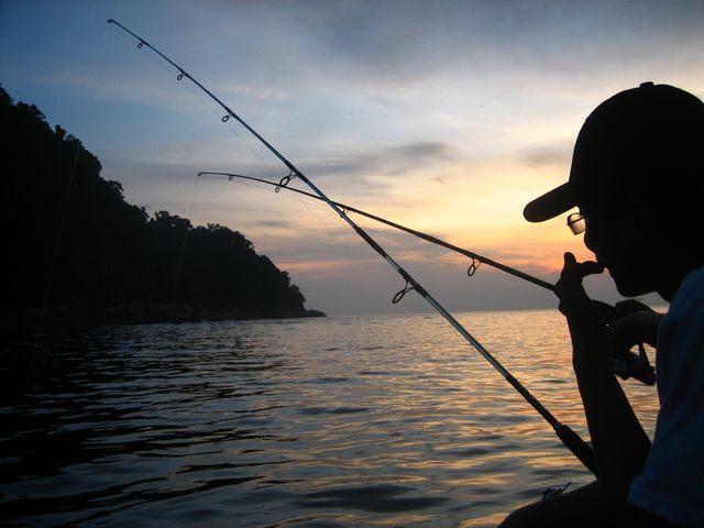 5 Reasons You Should Go Night Fishing