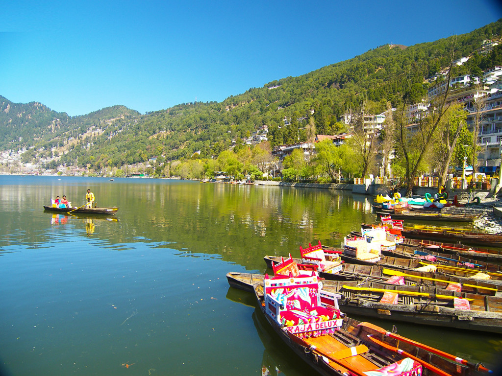 Nainital - City Of Lakes Ruled by The Mountains and Breathtaking Landscapes